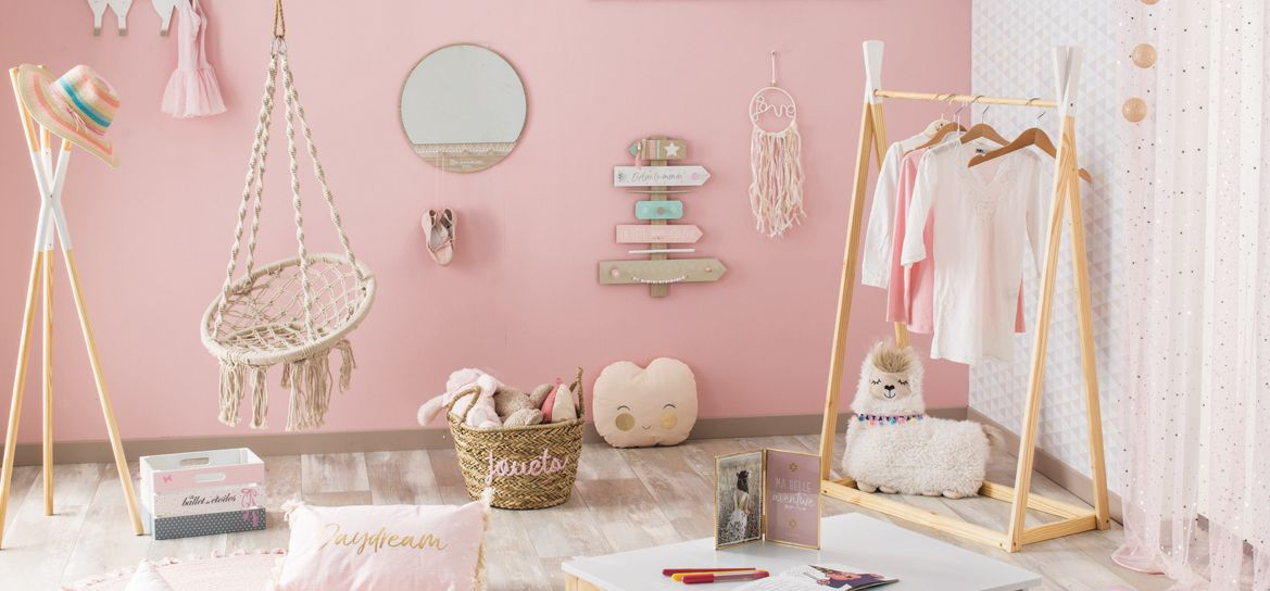 Petite Reveuse Decoration D Une Chambre De Fille Kalico